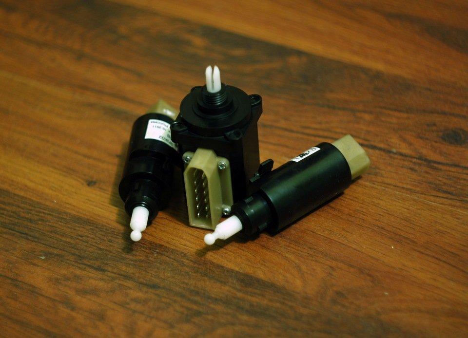 Комплект электрокорректора фар