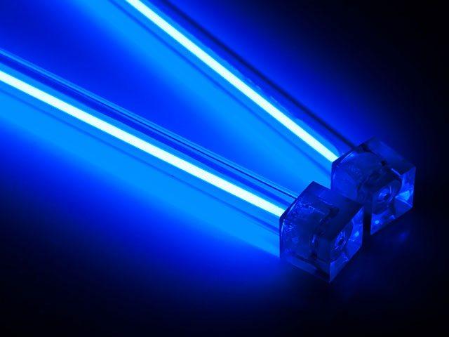 Комплект неоновых ламп гораздо дешевле светодиодов