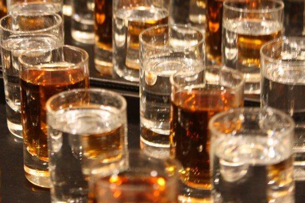 Сколько держится алкоголь в крови по времени у человека