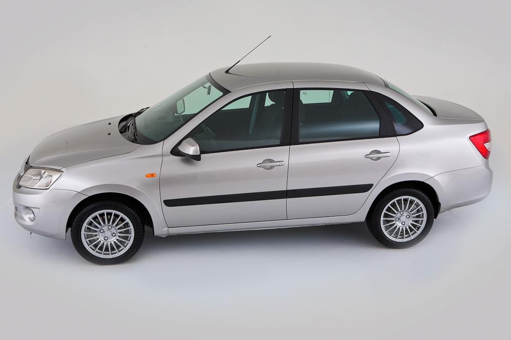 Lada Granta - первое место в рейтинге самых покупаемых авто