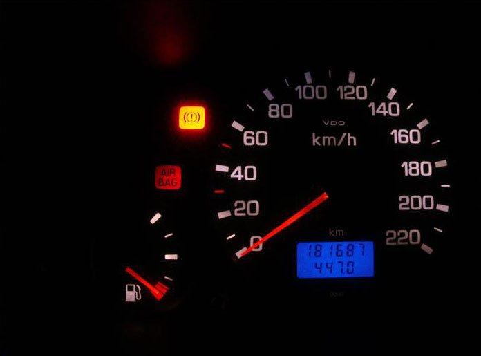 Горит сигнализация Airbag