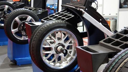 Балансировку колес следует регулярно проводить ради комфорта и безопасности вождения