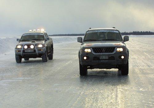 Один из главных приемов контраварийного вождения – правильное маневрирование на льду