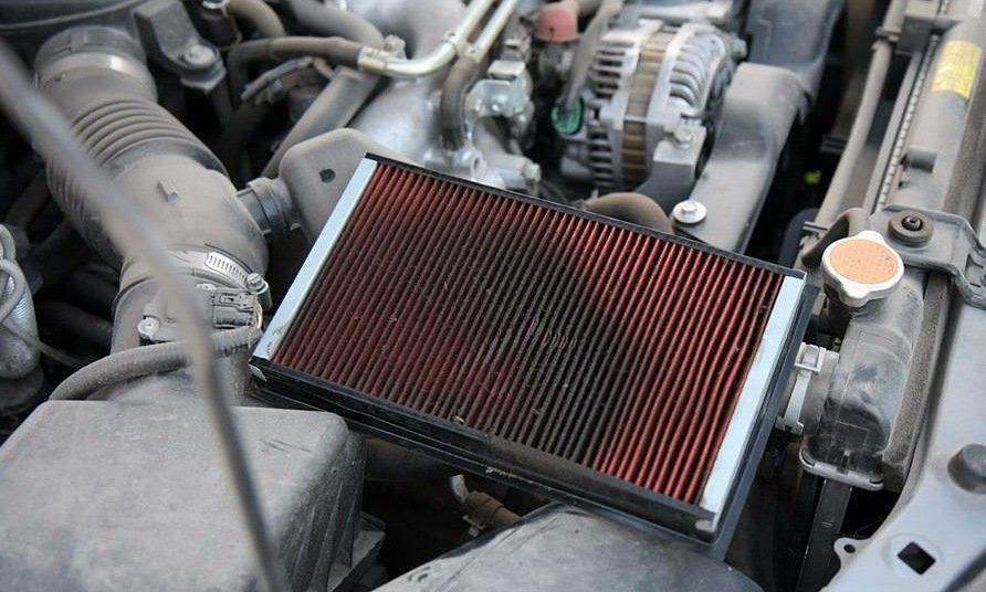Масло в воздушном фильтре ухудшает работу двигателя