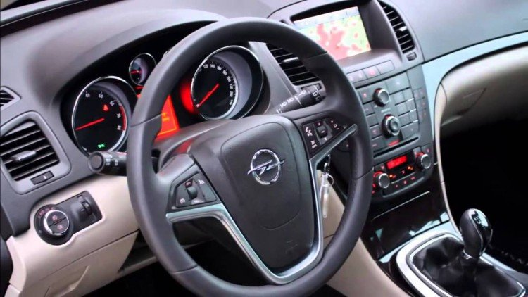 Салон Opel Insignia 2016-2017 модельного года