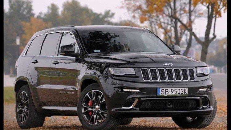 Фотоснимок автомобиля Jeep Grand Cherokee 2020-2021 года