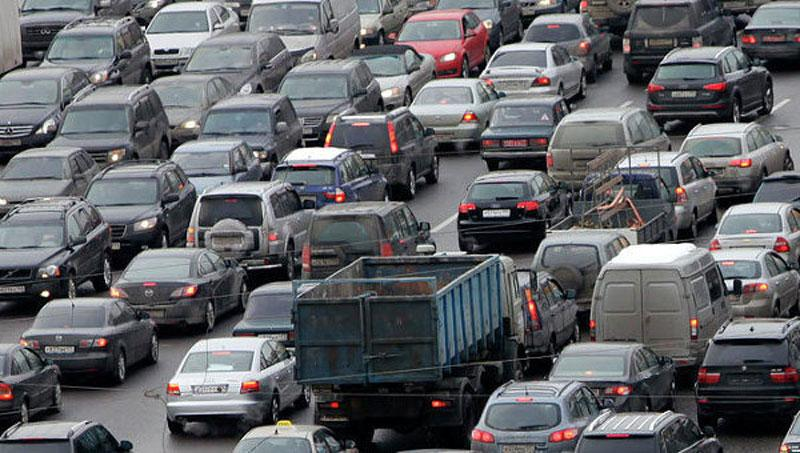 Водители проводят в пробках третью часть своей жизни