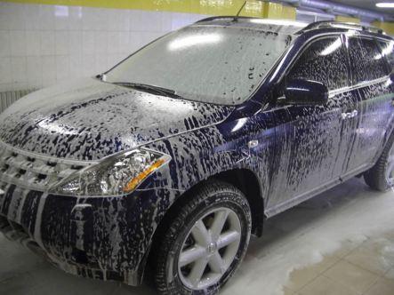 Мойка автомобиля осуществляется при помощи моющих средств и воды