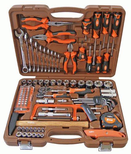Набор инструментов – вещь в автомобиле нужная