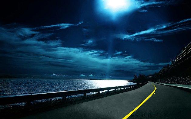 Ночная дорога - особенно опасна, так как ухудшена видимость