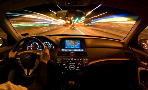 Не забывайте о правилах безопасного вождения в темное время суток