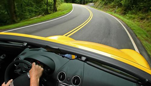 Очень полезно обкатывать новое авто на загородных трассах с качественным покрытием