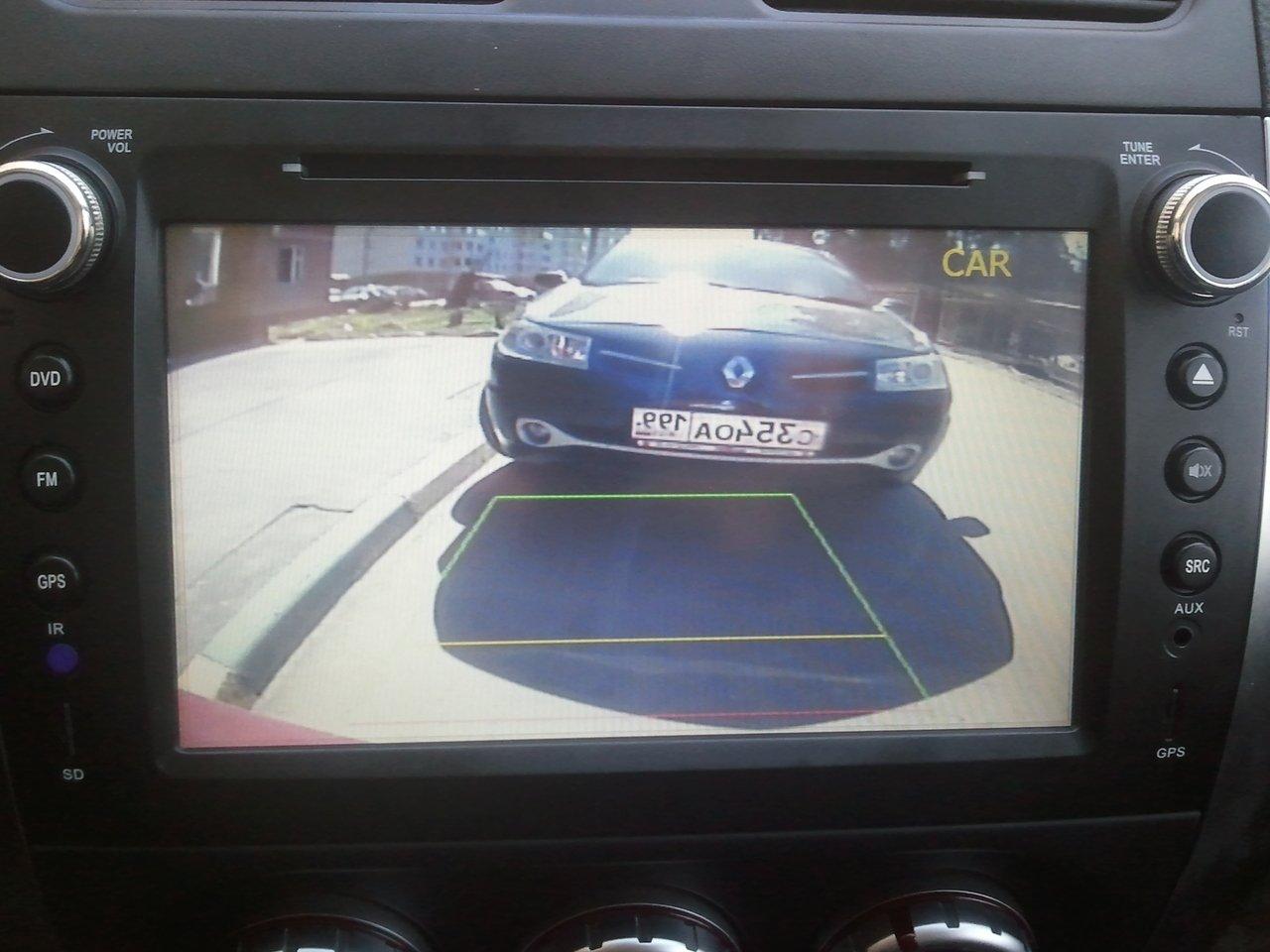 Парковка с помощью камеры заднего вида