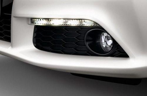 Передний бампер Honda Civic 5D с дневными ходовыми огнями