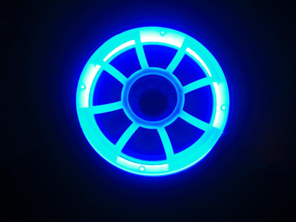 Подсветка в сабвуфере