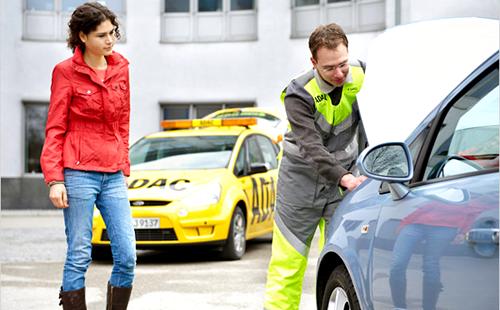 Попросите знакомого механика составить вам компанию при осмотре подержанного авто