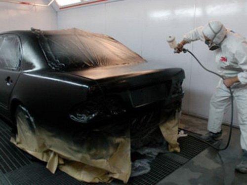 Покраска автомобиля в специализированной камере