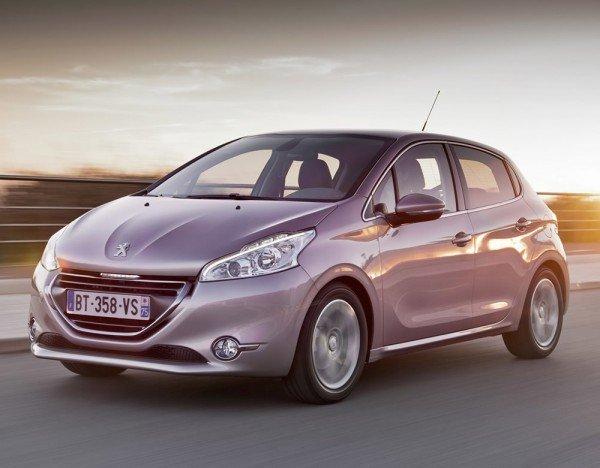 Купить Peugeot 208 за 600000