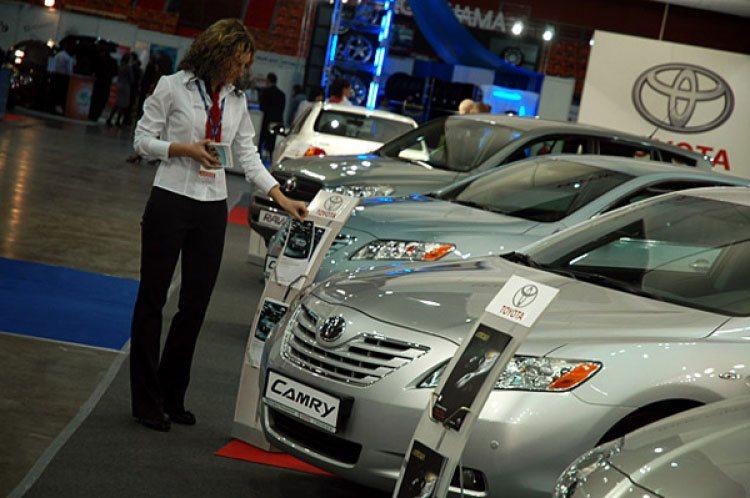 Покупка автомобиля у официального дилера упрощает процесс оформления документов