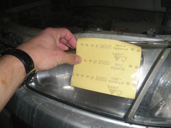 Полировка фар наждачной бумагой