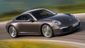 Porsche 911 Carrera - лучший спортивный кар 2017 года