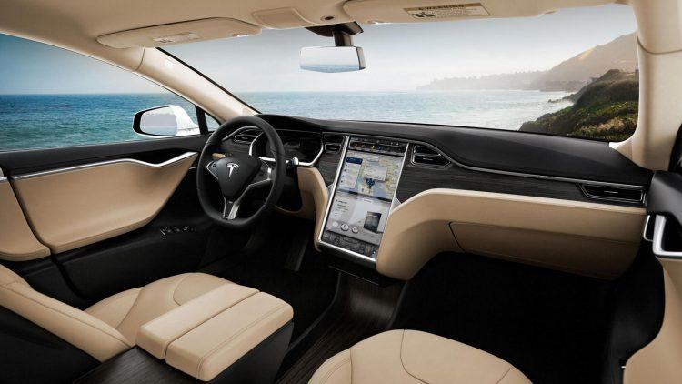 Бортовой компьютер Tesla