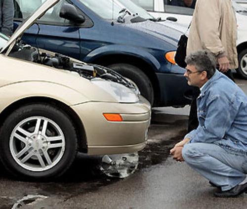Один из вариантов продажи битого автомобиля – продажа на рынке