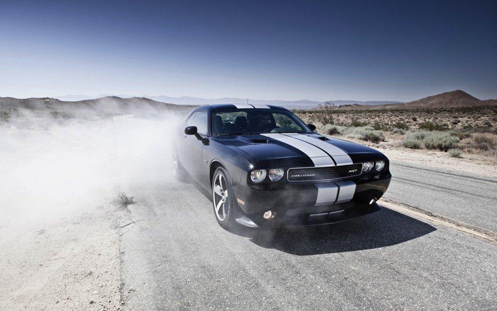 Прогревать двигатель летом нету смысла, на улице и так жара