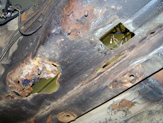 Последствия коррозии дна кузова