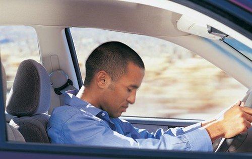 Более 30% ДТП происходят из-за переутомления водителей долго находящихся за рулем