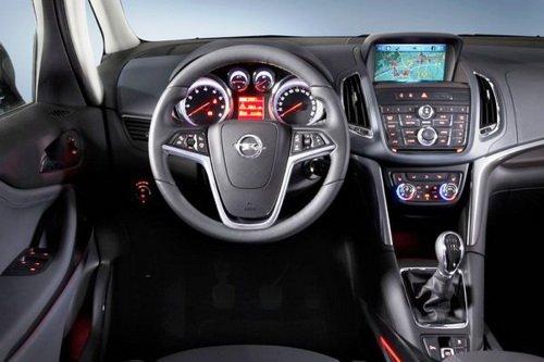 Внутренняя отделка салона Opel Zafira Tourer
