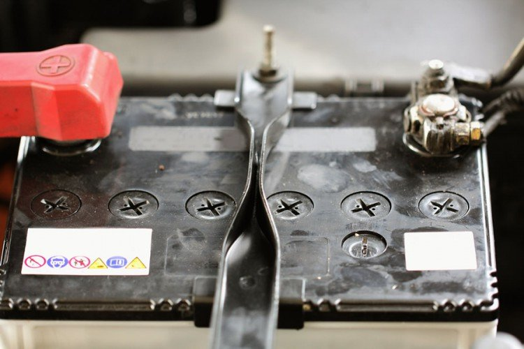Автомобильный аккумулятор