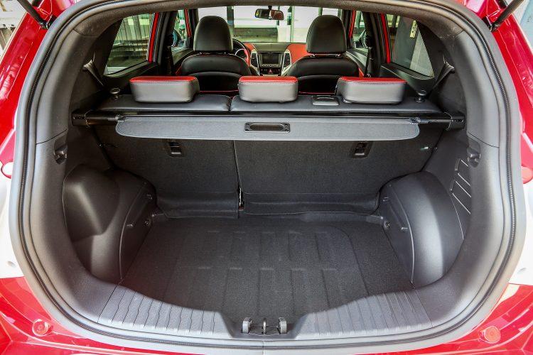 Вместительный багажник и возможность трансформации салона