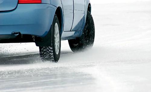 Торможение двигателем зимой необходимо отрабатывать на учебных площадках
