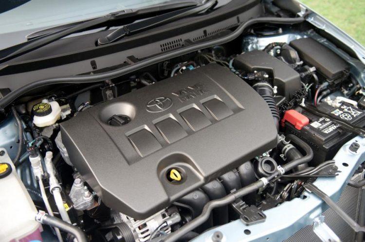 Под капотом фирменный двигатель от Тойоты