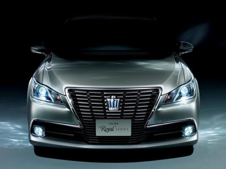 Toyota Crown (Тойота Кроун)