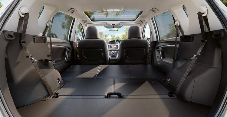 Багажник меняет объем от 144л до 1700л