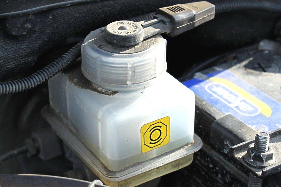 Фото №31 - замена тормозной жидкости 2110