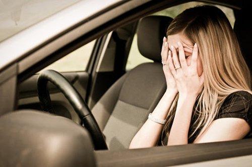 Отправляясь в дорогу, не забывайте о запасе воды – умывание надолго взбодрит уставшего водителя