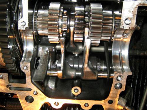 Валы и шестерни механической коробки передач