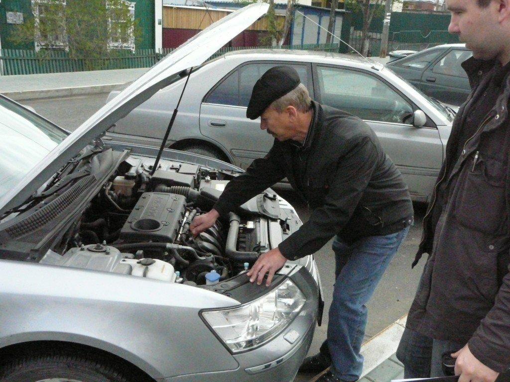 Тщательно проверяйте узлы автомобиля перед покупкой