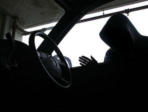 Видео регистратор может зафиксировать кражи из автомобиля