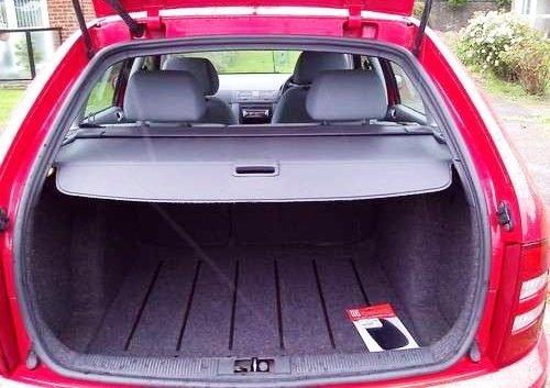 Вместительный багажник удобен для семейного использования