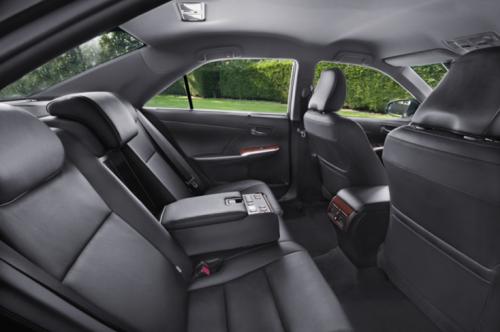 Задние пассажиры получили еще больше места и комфорта, чем в предыдущих версиях авто