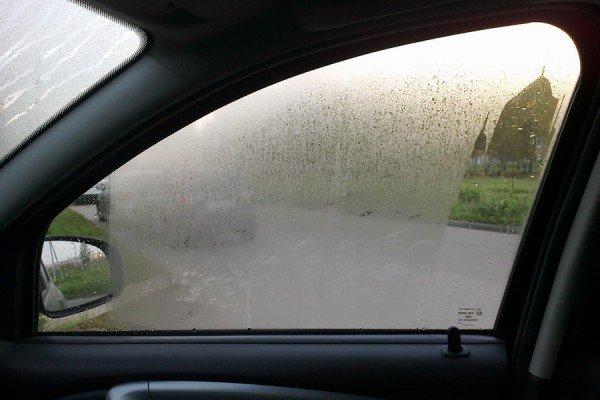 Запотевшие стекла в авто
