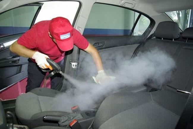 Салон автомобиля можно почистить в автомойке