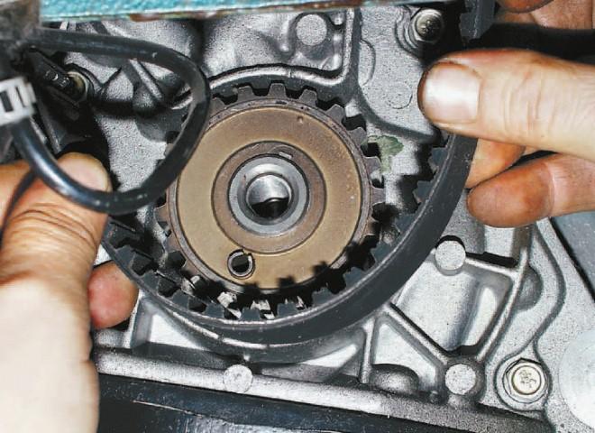 зубчатый ремень дизельного двигателя